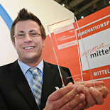 "Sieger in der Kategorie ""Cloud Computing"", der ""Fraunhofer-Innovationscluster Cloud Computing für Logistik"" mit dem Produkt ""Logistics Mall""."